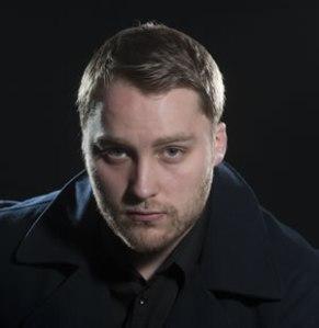 Adam Holmes (c) marc marnie WEB